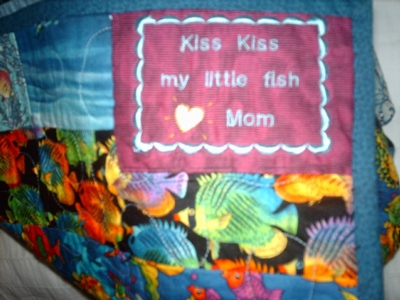 "Quilt label ""kiss kiss my little fish"""